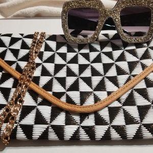 Sassy Jones Sunglasses/Cato Clutch Crossbody